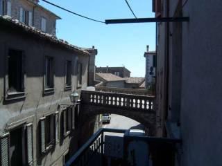 Foto - Palazzo / Stabile quattro piani, buono stato, Castell'Azzara