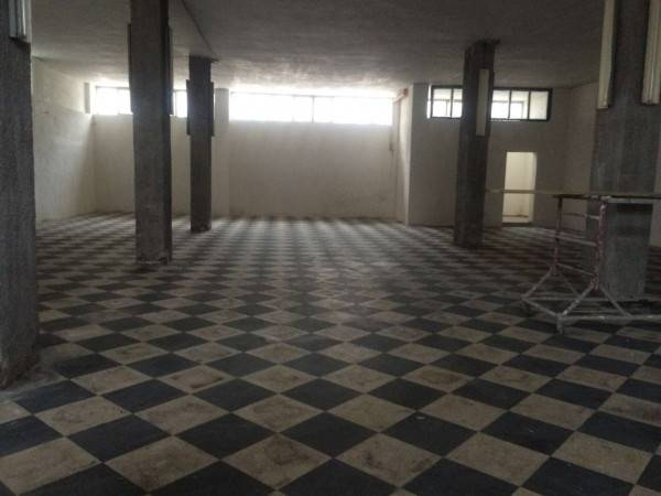 foto  Magazzino in Affitto a Boscoreale
