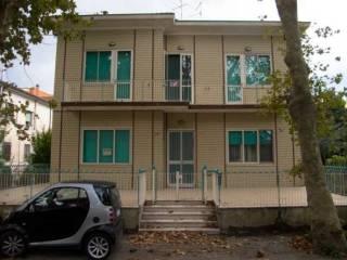 Foto - Palazzo / Stabile via Eugenio Curiel 26, Viserba, Rimini