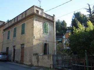 Foto - Casa indipendente 100 mq, da ristrutturare, Centro città, Ascoli Piceno