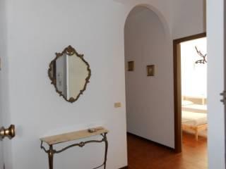 Foto - Quadrilocale buono stato, primo piano, Collemarino, Ancona