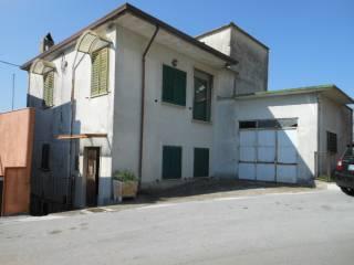 Foto - Haus 160 m², guter Zustand, Capriati a Volturno