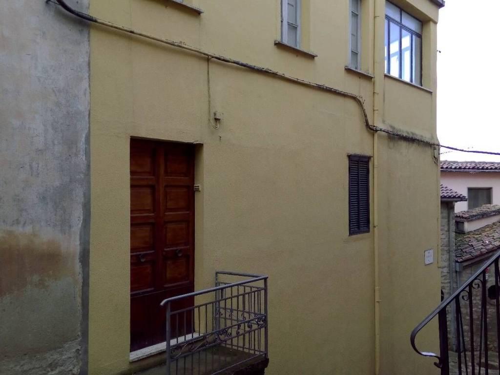 foto  Appartamento via Rosolino Pilo 1, Laurenzana
