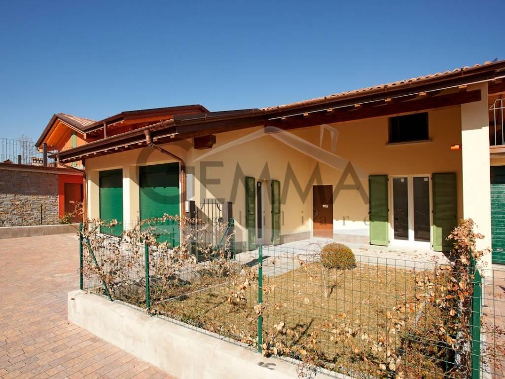 foto  Villa bifamiliare via Don Enrico Moltrasio, Menaggio
