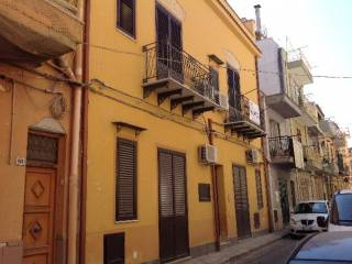 Foto - Palazzo / Stabile via Lo Re, Bagheria