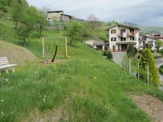 Foto - Terreno edificabile residenziale a Val Brembilla