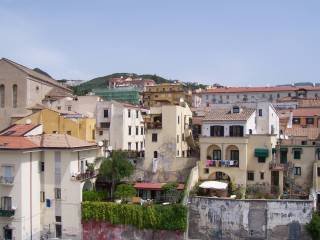 Foto - Trilocale ottimo stato, quinto piano, Centro città, Salerno