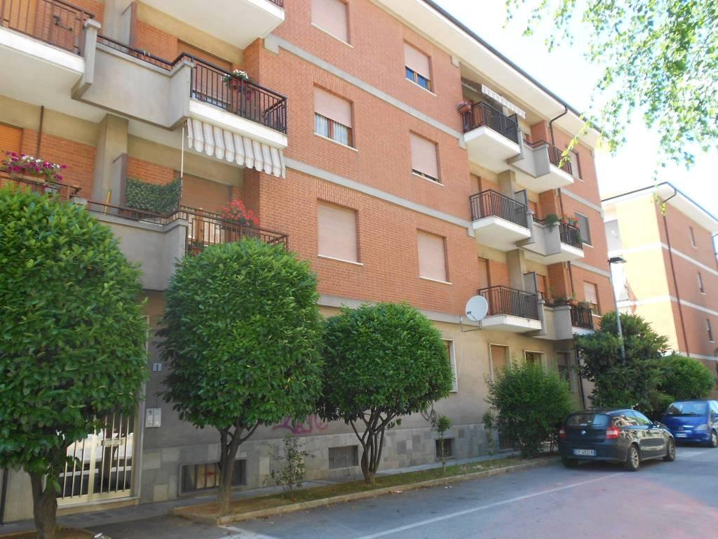 Foto 1 di Trilocale Via Silvio Pellico, Bra