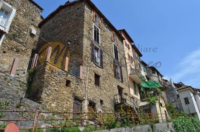 foto  3-room flat via Piè Castello, Castel Vittorio