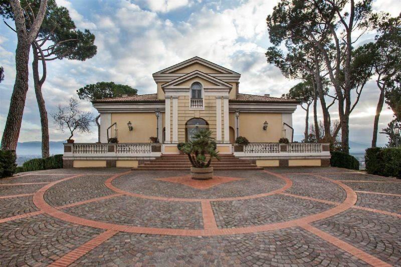 foto Villa dei Marchesi - UTZM - Esterni -  01 Albergo / Struttura ricettiva in Vendita a Ceprano