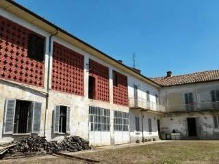 Foto - Rustico / Casale, da ristrutturare, 380 mq, Castelnuovo Calcea