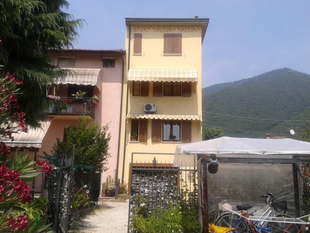 foto esterni Villa a schiera via Zanardelli 40, Nave