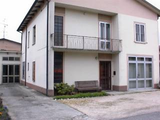 Foto - Palazzo / Stabile via Gabriele D' Annunzio 8, San Benedetto Po