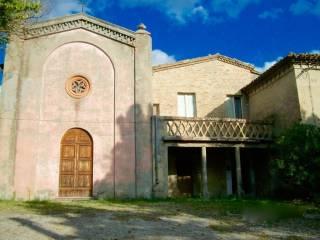 Foto - Palazzo / Stabile tre piani, da ristrutturare, Urbino