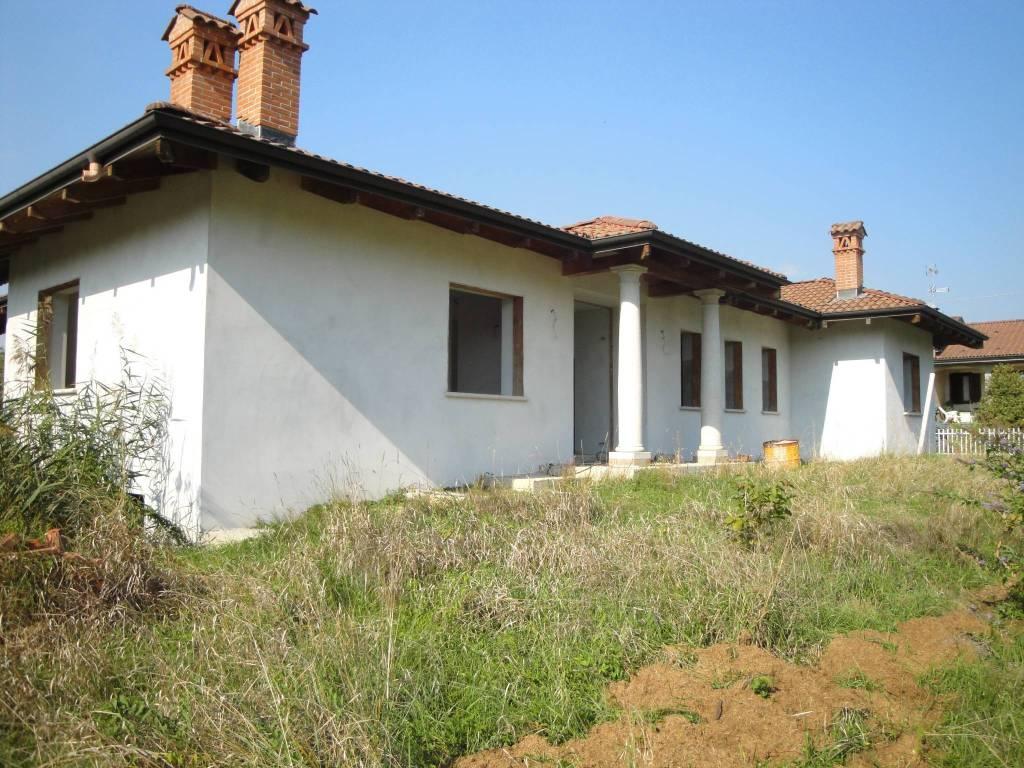 foto Esterno Villa, nuova, 500 mq, Maggiora