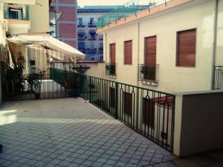Foto - Quadrilocale via Casanova, Piazza Garibaldi, Napoli