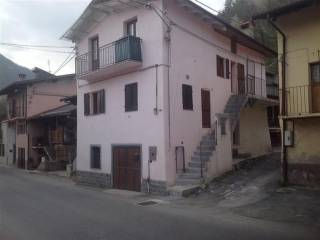 Foto - Casa indipendente Strada Provinciale 121, Castelletto, Roccasparvera