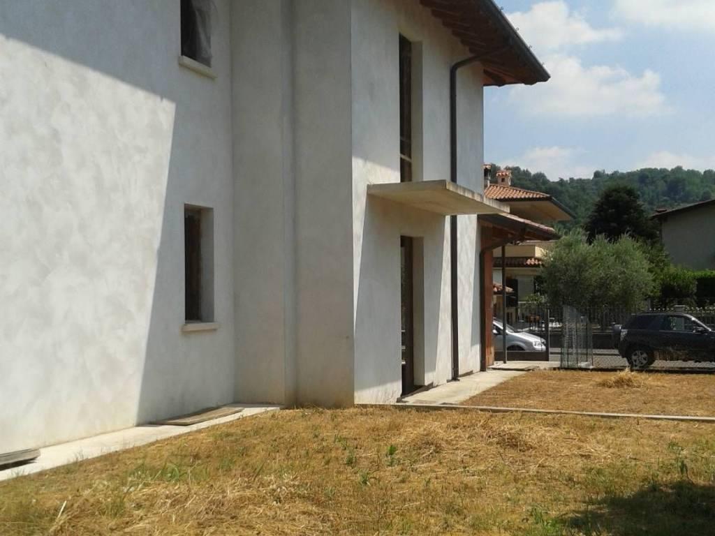 foto  Villa bifamiliare, nuova, 200 mq, Villanuova sul Clisi