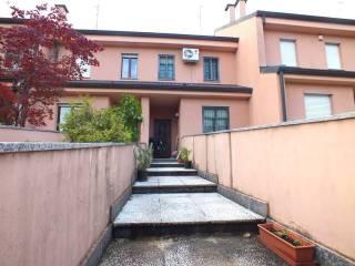 Photo - Terraced house via Aldo Moro, Melzo