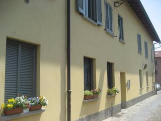 Foto - Trilocale via Villa, Cernusco Lombardone