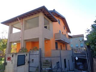 Foto - Trilocale via Milano 5, Grezzago