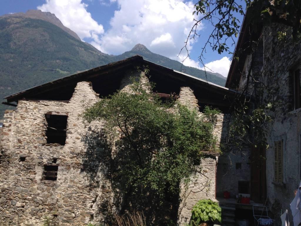foto  Rustico, da ristrutturare, 250 mq, Lovero