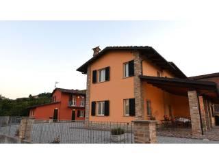 Foto - Villa via alba monforte, 23, Castiglione Falletto