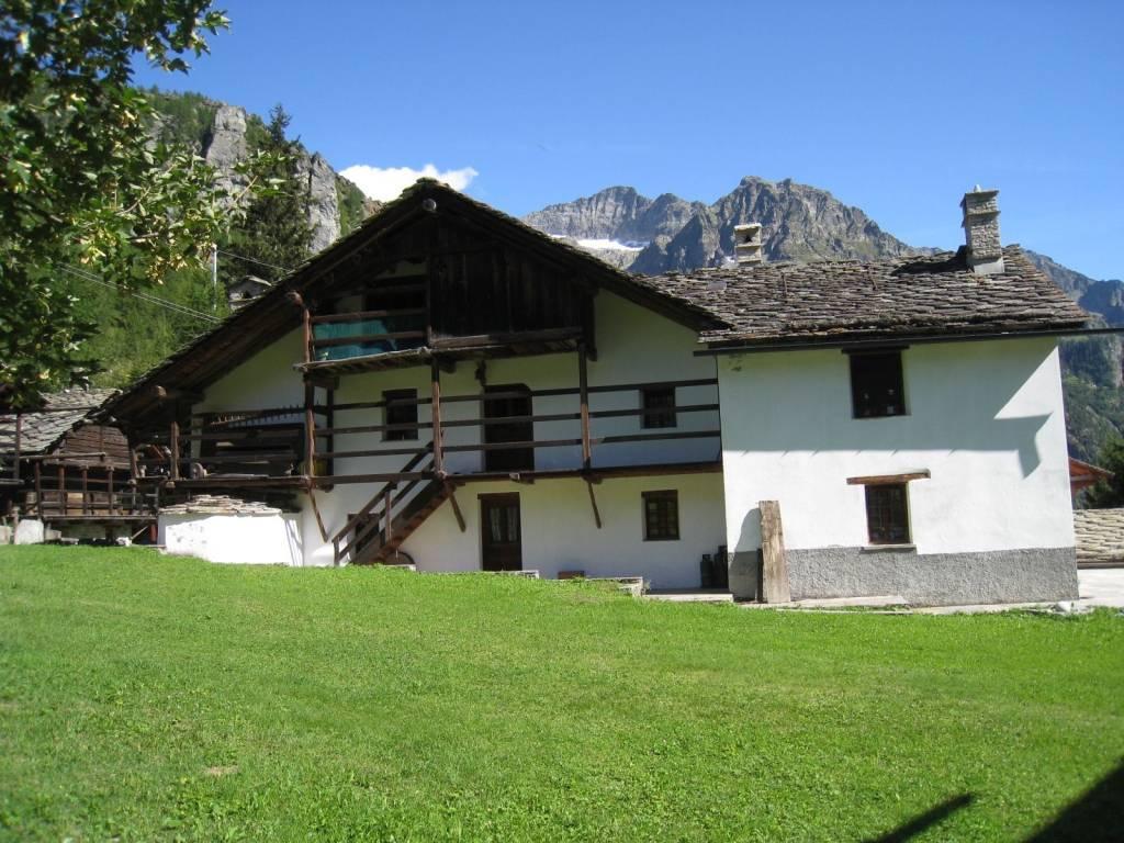 foto  Multi-family villa, excellent condition, 475 sq.m., Gressoney-La-Trinitè