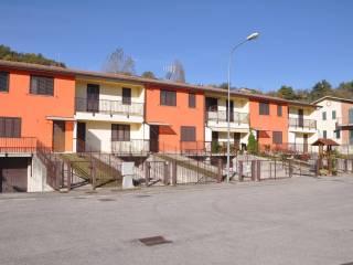 Foto - Villetta a schiera via Della Pace, Comunanza