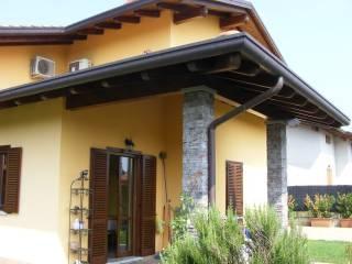 Foto - Einfamilienvilla, ausgezeichneter Zustand, 342 m², Castelletto Sopra Ticino