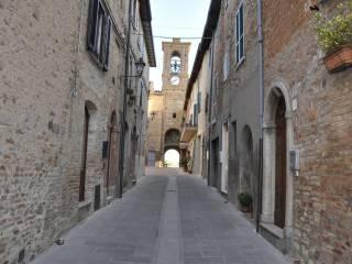 Foto - Palazzo / Stabile piazza Giuseppe Mazzini, Castello Delle Forme, Marsciano