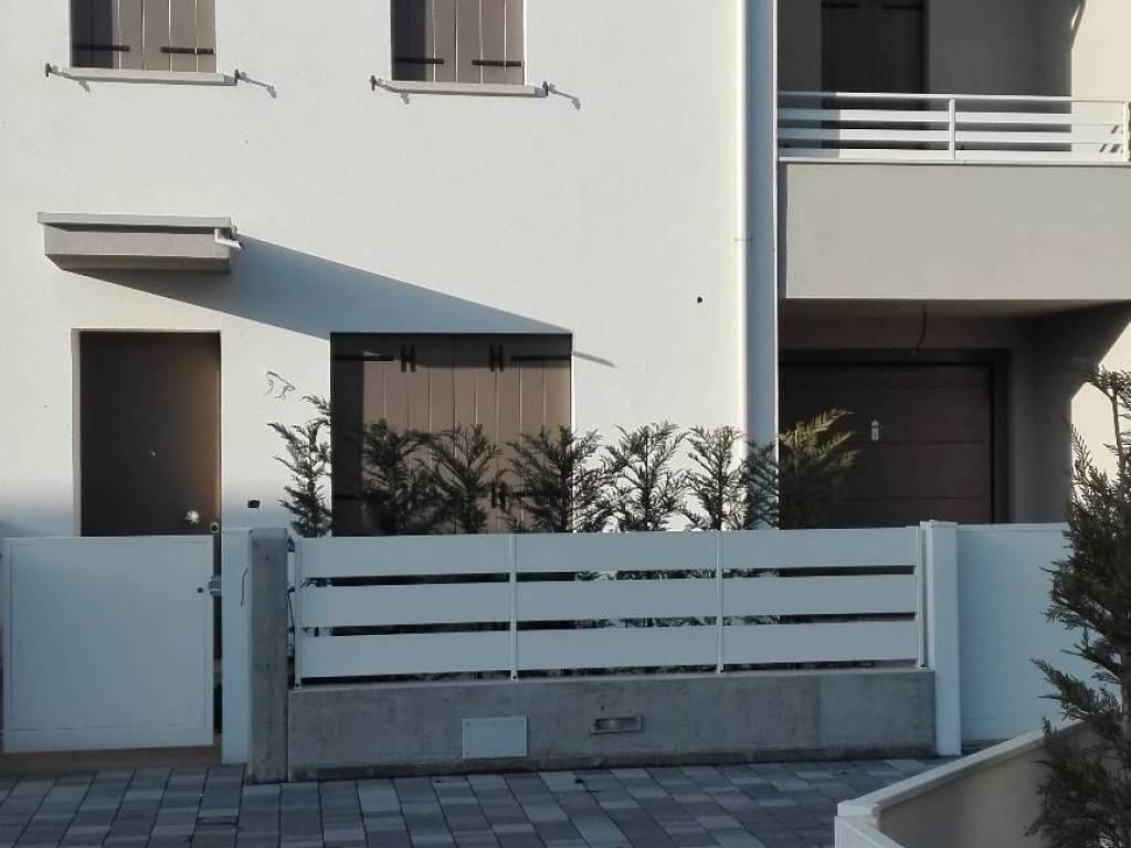 foto  Detached house via Calabria, Rubano