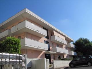 Foto - Trilocale ottimo stato, secondo piano, Centro città, Rovigo