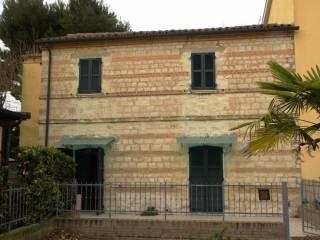 Foto - Casa indipendente 105 mq, da ristrutturare, Massignano, Ancona