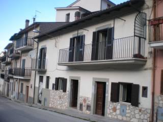 Foto - Casa indipendente via Fuori le Mura 35, Corumello, Capistrello