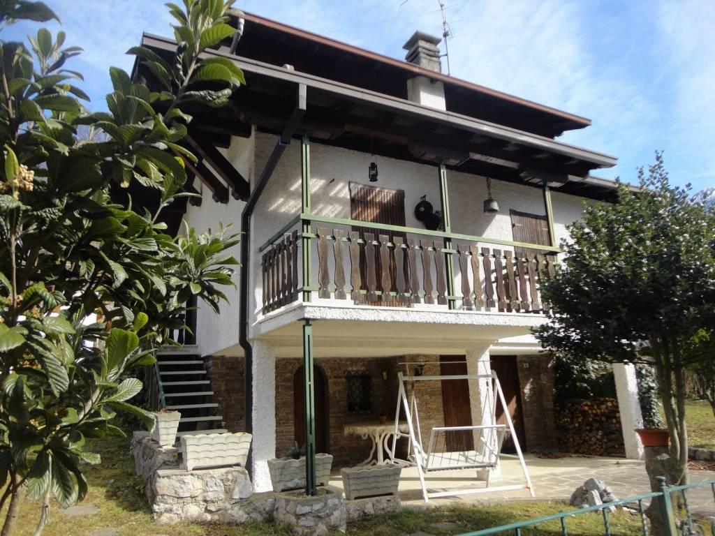 foto foto Single family villa via Castello, Piazza Brembana