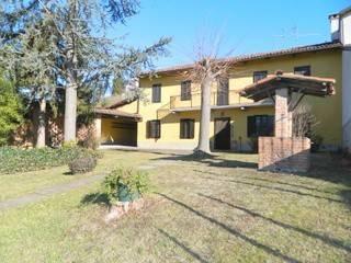 foto 1 Farmhouse Strada Statale 458 di Casalborgone, Asti