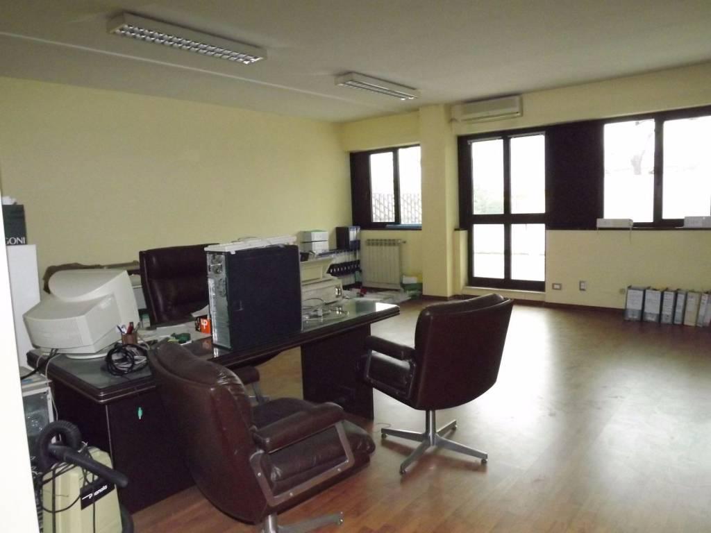 foto  Ufficio in Affitto a Gavardo