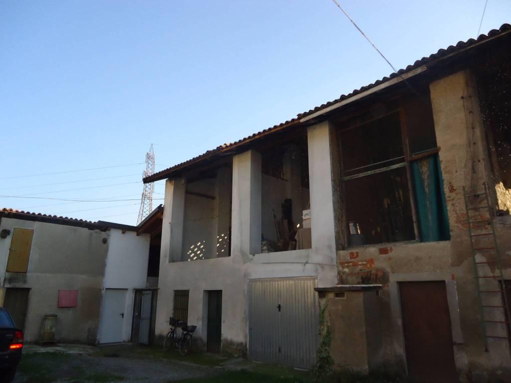foto  Rustico / Casale via Giuseppe Garibaldi, Cornate d'Adda