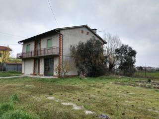 Foto - Villa, da ristrutturare, 240 mq, Centro Zampine, Stienta