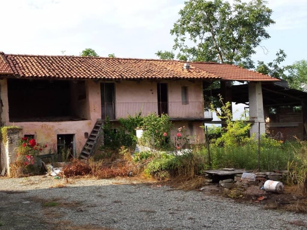 foto  Rustico / Casale, da ristrutturare, 1553 mq, Envie