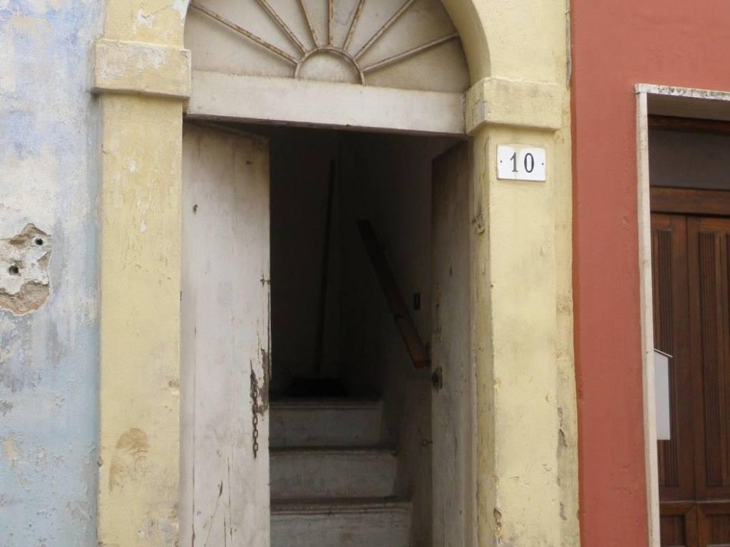 foto  Stabile o palazzo via F  Crispi, Taurisano