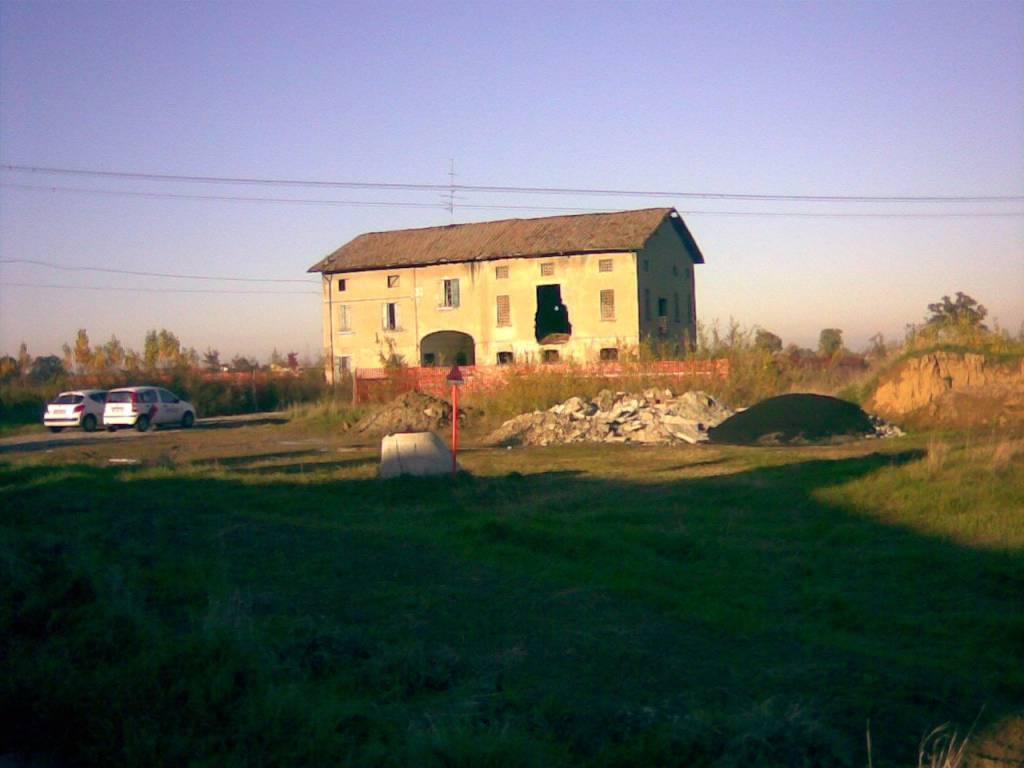 foto  Farmhouse via Anna Frank, Reggio Emilia