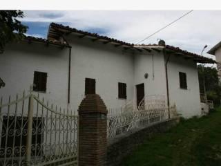 Foto - Casa indipendente frazione Rio, 62035- Mc, Fiastra