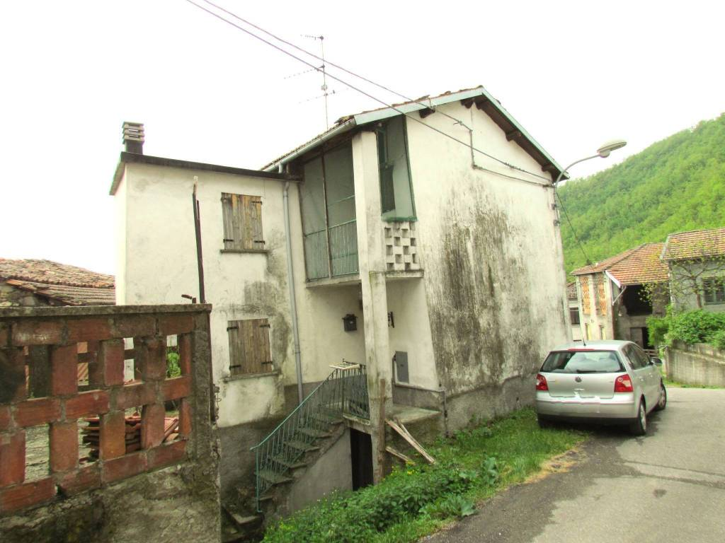 foto  Casa indipendente via Capoluogo 50-51, Roccaforte Ligure