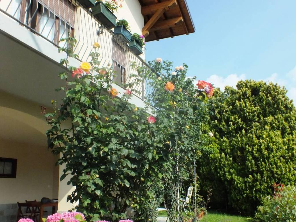 foto facciata Villa, ottimo stato, 150 mq, Canzo