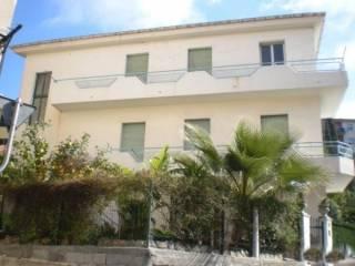 Foto - Palazzo / Stabile due piani, da ristrutturare, Imperia