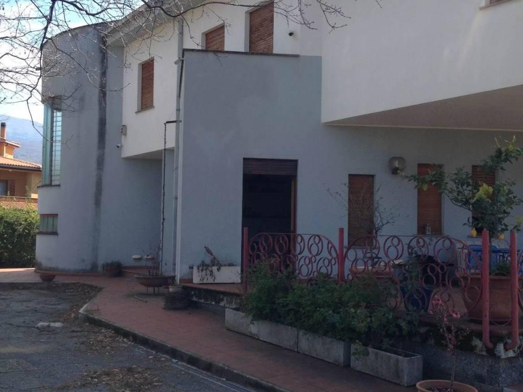 foto  Villa unifamiliare viale della Resistenza, Rovito