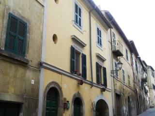 Foto - Trilocale via Camillo Benso Conte di Cavour, Tuscania