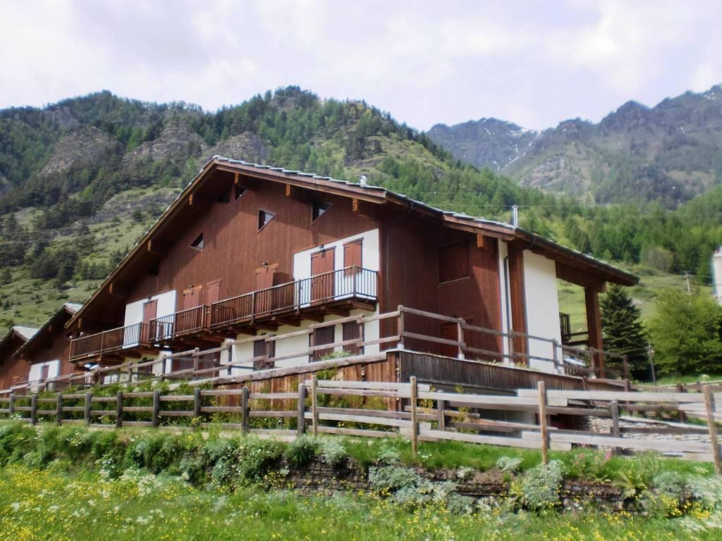 foto Esterno 2-room flat via del Bacino, Usseaux